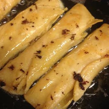 Easy, Homemade Chicken and Cheese Taquitos